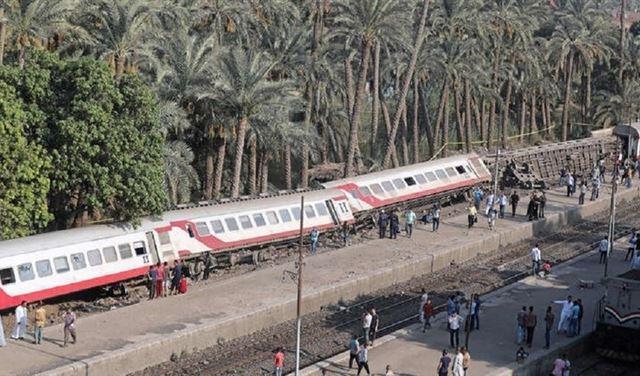 مصر.. انحراف قطار عن مساره ووقوع عشرات الإصابات