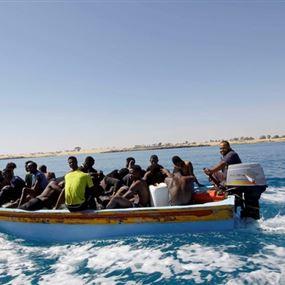 العثور على 13 جثة في قارب للمهاجرين قبالة سواحل ليبيا