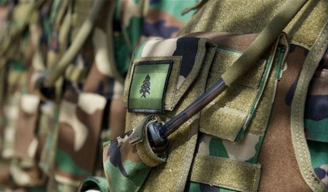 مواطن يسلم نفسه إلى مخابرات الجيش!
