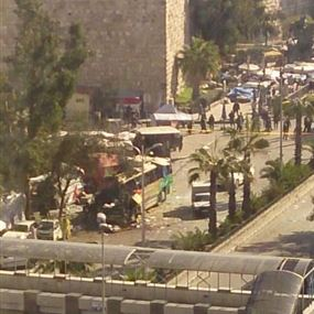 بالصور.. انفجار يستهدف زوارا لبنانيين لمقام السيدة رقية في دمشق