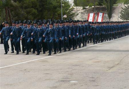 قيادة الجيش تعلن عن حاجتها الى تعيين رتباء اختصاصيين