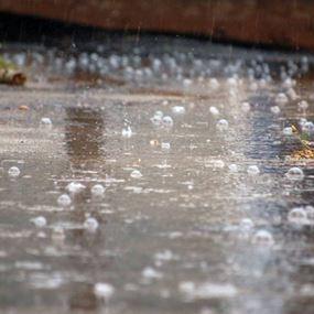 بعد السيول: موجة حارة تضرب لبنان في عطلة الفطر.. لكن الأمطار عائدة!