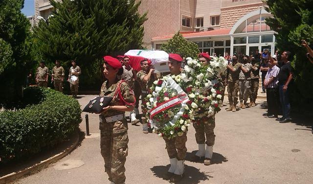 بالصور: تشييع الجندي الشهيد علي العفي في بعلبك