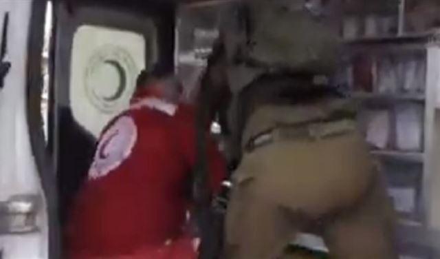"""فيديو """"مؤلِم"""" لجريحٍ فلسطينيّ"""