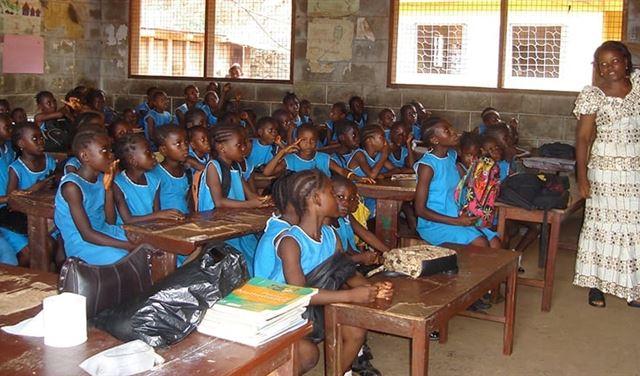 في كينيا... مقتل 7 طلاب بانهيار فصل دراسي