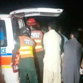 مقتل 19 شخصا بتصادم حافلتين في باكستان