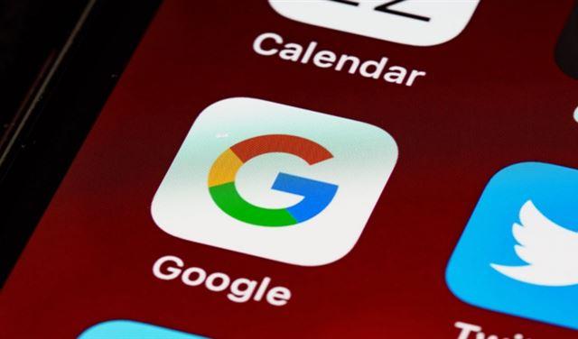 غوغل تحظر عددًا من أشهر تطبيقاتها عن هذه الهواتف!
