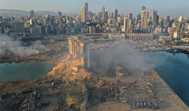 مسؤول اسرائيلي سابق: انفجار بيروت ناجما عن ذخائر لحزب الله