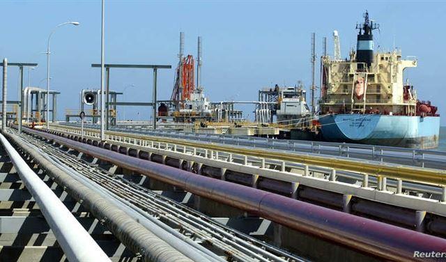 تنتهك العقوبات الأميركية... توقيعُ صفقة لتصدير النفط