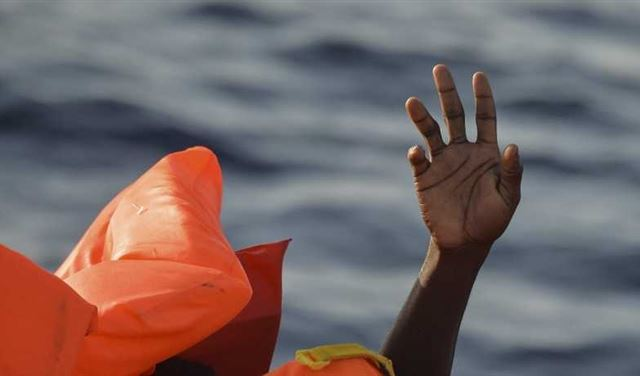 في محاولة للتسلل إلى السعودية... مقتل 80 مهاجراً إفريقياً غرقاً