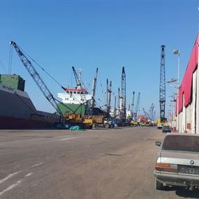 الجمارك تفتش باخرة في مرفأ طرابلس وتضبط شاحنة مهربة من الألبسة