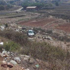 نجا من الموت بأعجوبة بعد حادث تصادم على طريق عام الشرقية- النميرية