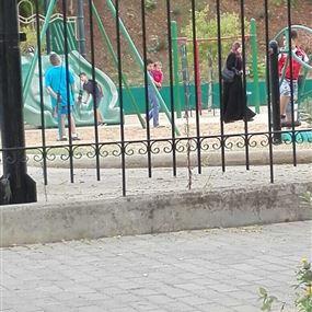 النازحون السوريون يقتحمون الحديقة العامة في جونية
