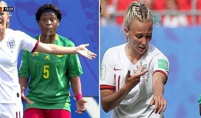 """بالفيديو: لاعبة كرة """"تبصق"""" على نظيرتها في كأس العالم"""