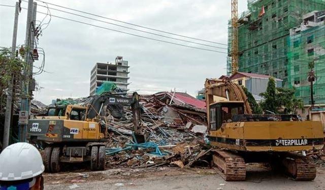 18 قتيلا بانهيار مبنى في كمبوديا