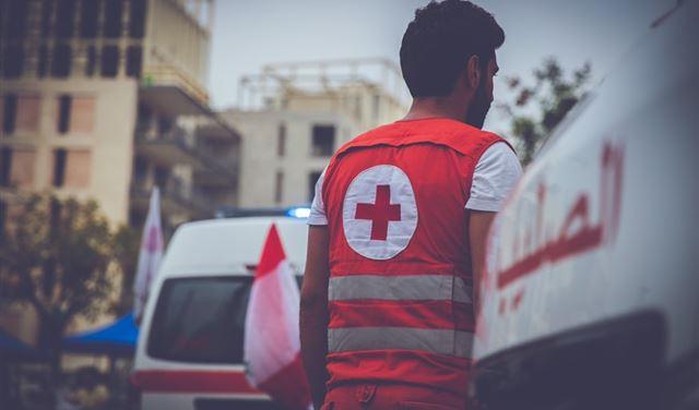 الصليب الأحمر يعلن عن عدد الجرحى في تظاهرة بيروت