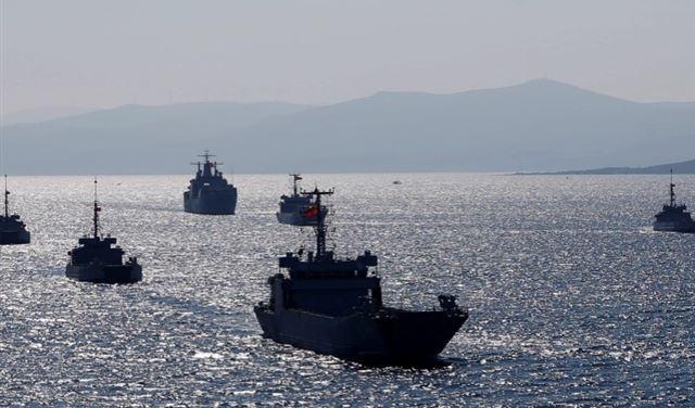 مناوراتٌ في شرق المُتوسط وتحذير تركي لليونان